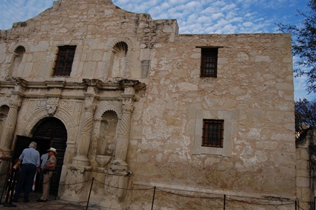 photos of The Alamo.