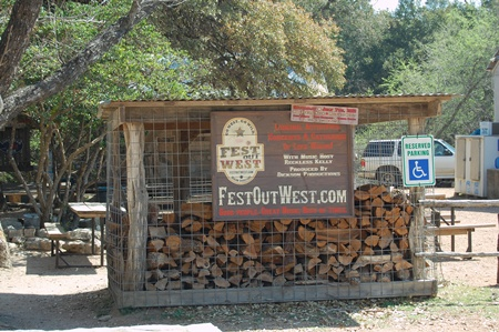 photos of Luckenbach.